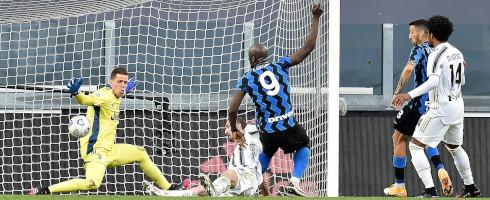 Lukaku-2105-Juve-goal-epa