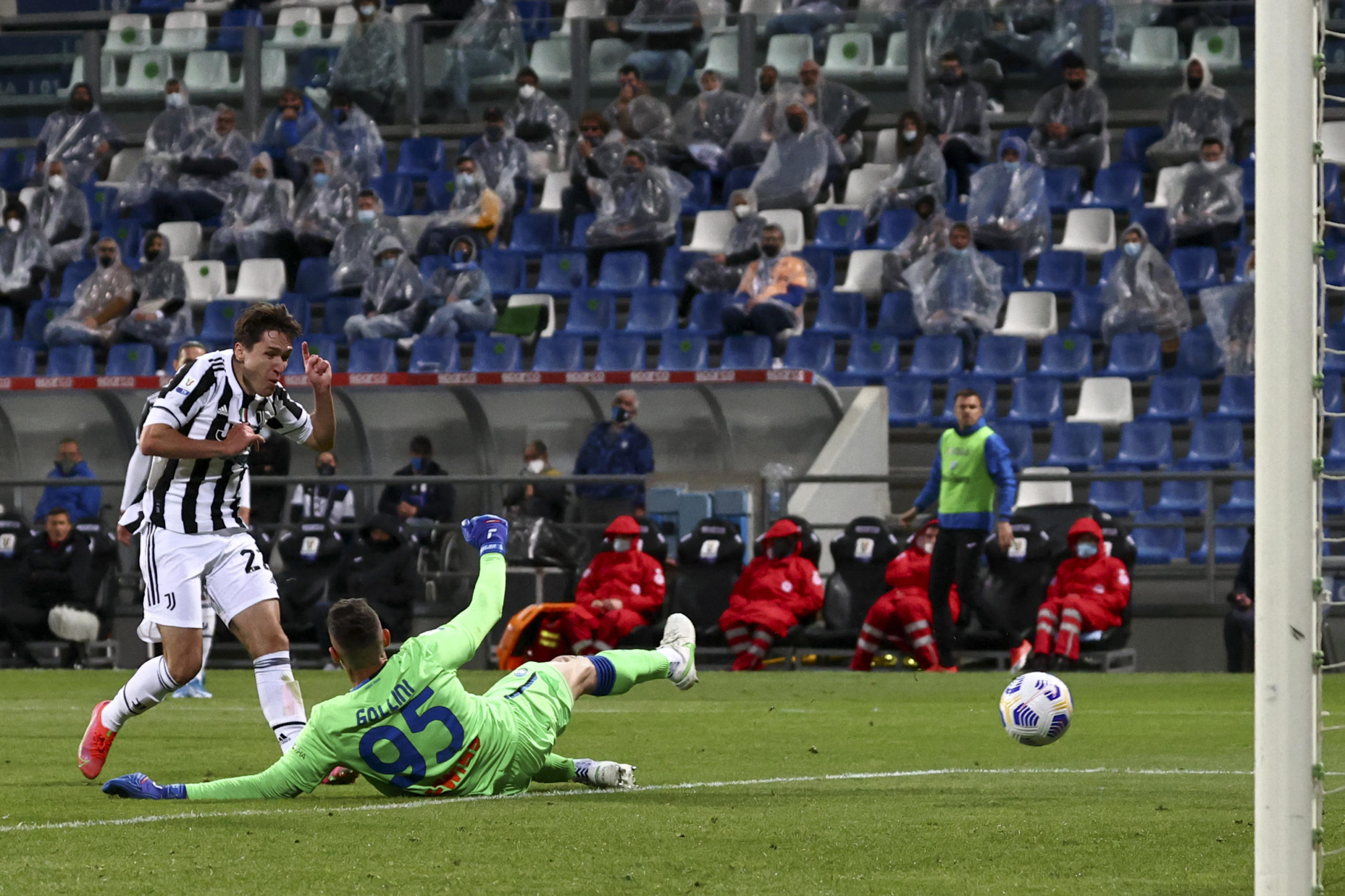 Federico Chiesa scores against Atalanta in the Coppa Italia final