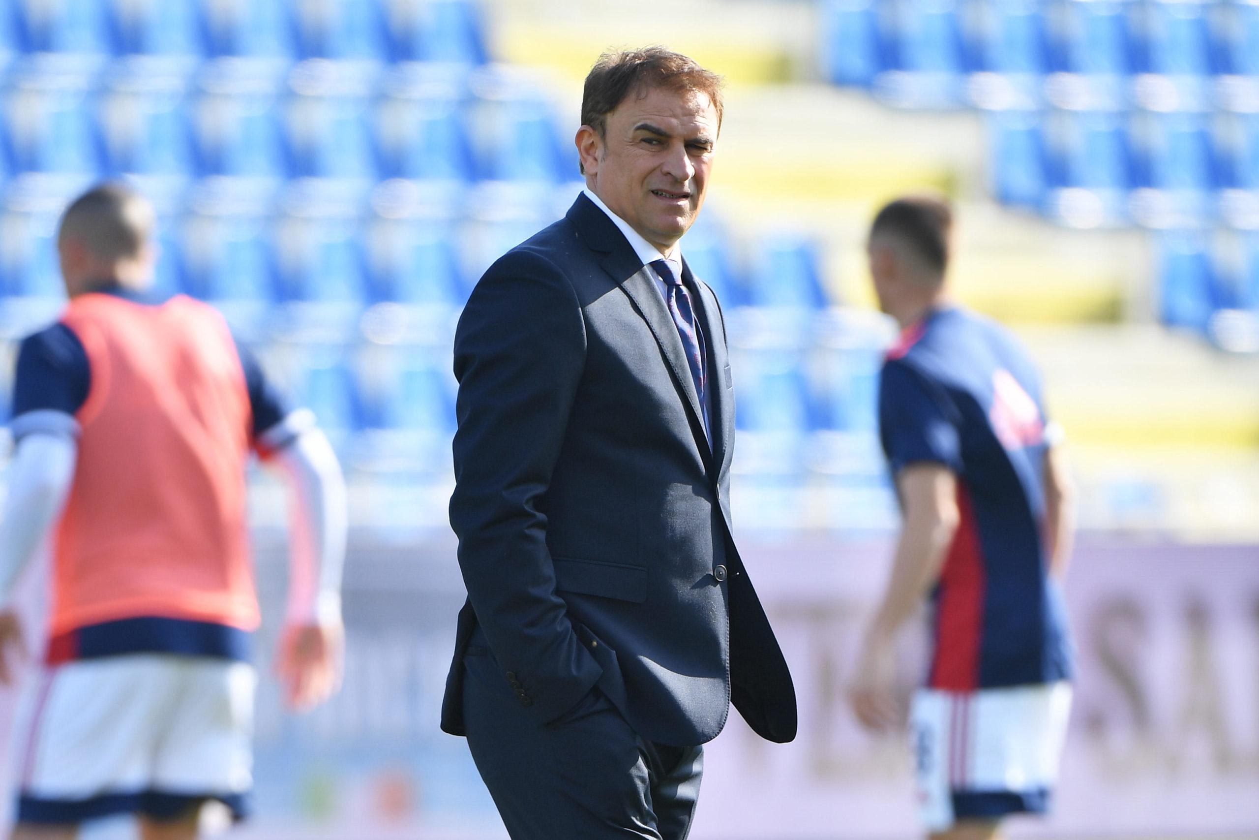 Cagliari coach Leonardo Semplici