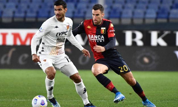 Genoa work to keep Strootman