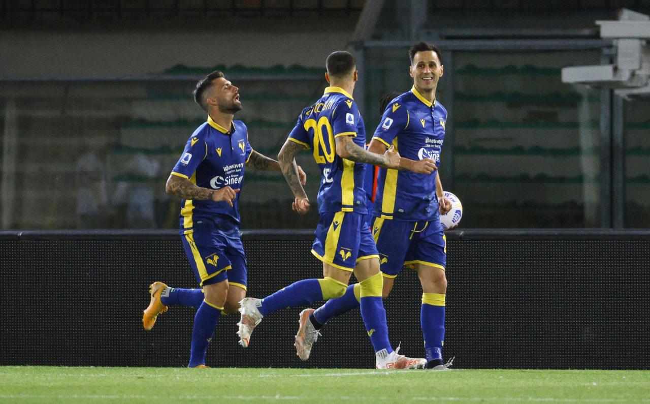 Verona players against Bologna