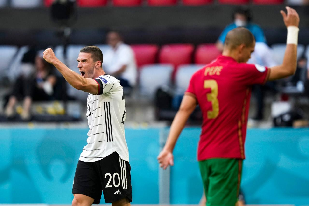Robin Gosens Portugal celebrate