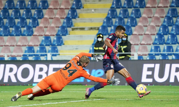 Milan and Napoli join Messias race