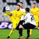 Leeds and West Ham battle for Nandez