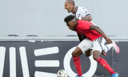 Napoli bid €12m for Tavares