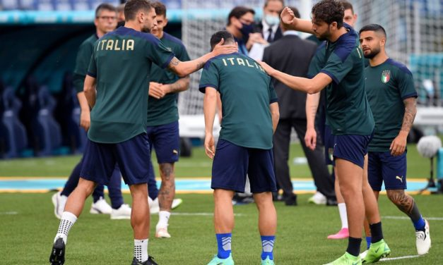 De Zerbi 'satisfied' seeing Locatelli and Berardi play for Italy