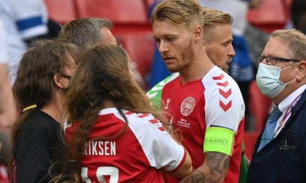 Kjaer y médicos daneses reciben el Premio del Presidente de la UEFA por salvar a Eriksen