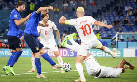 Xhaka urges Arsenal to accept Roma bid