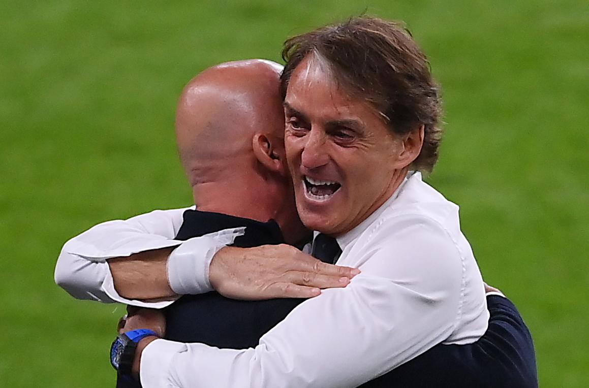 EURO 2020 | De bevrijdende knuffel van Mancini en Vialli - Football Italia