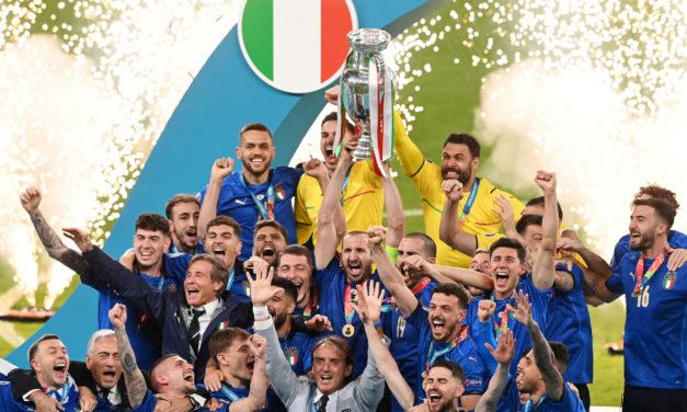 Vídeo: Italia se enfrenta a Bulgaria con el parche de 'campeones de Europa'