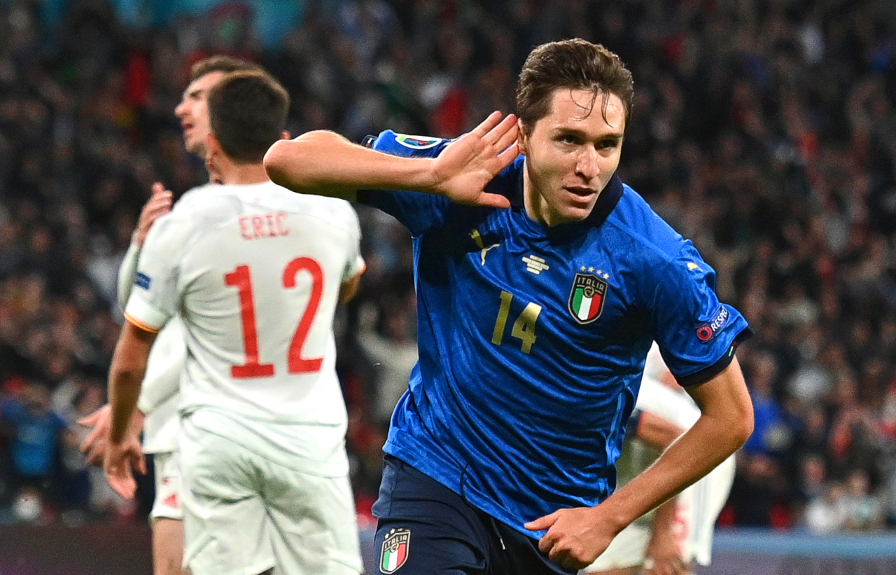 Video: When Federico Chiesa's father Enrico clashed with Southgate -  Football Italia