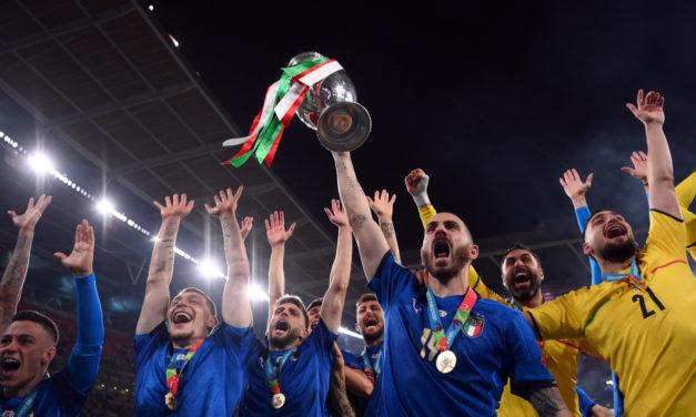 Italia sube al top cinco de la clasificación FIFA