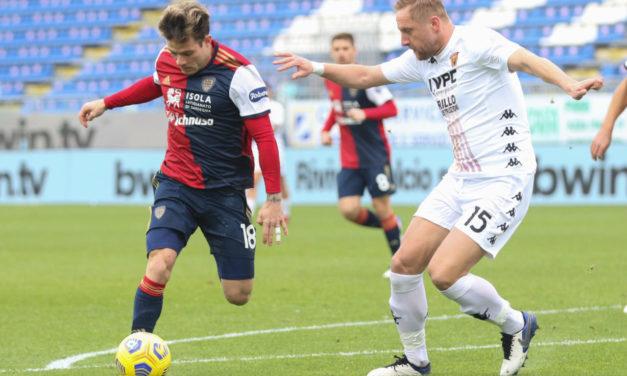 Report: Nandez's return to Sardinia postponed