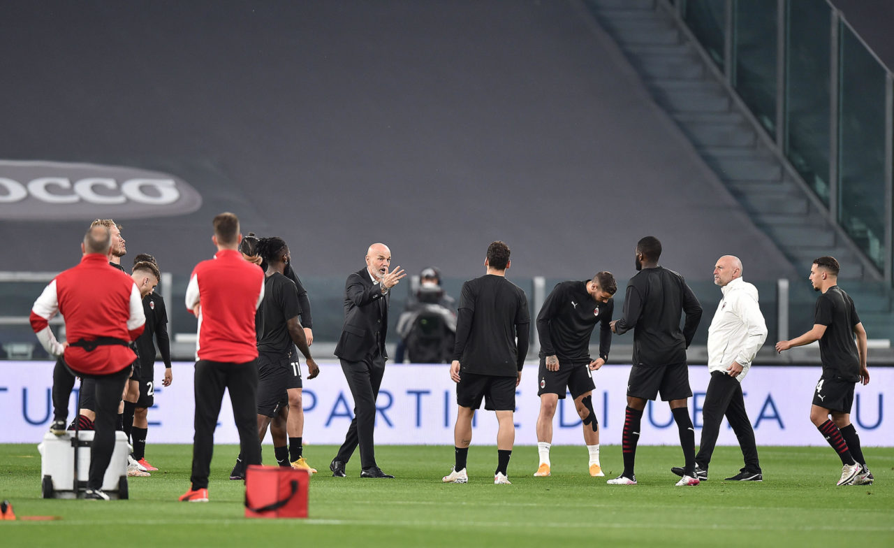 Milan coach Stefano Pioli gestures during the Italian Serie match Juventus FC vs AC Milan at the Allianz Stadium in Turin