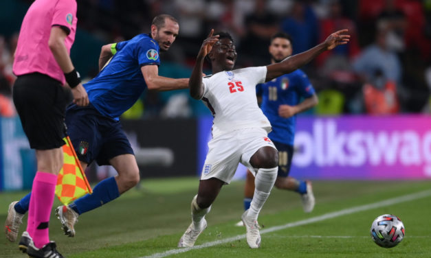 Chiellini, Saka and the English petition: too much mess for a tactical foul
