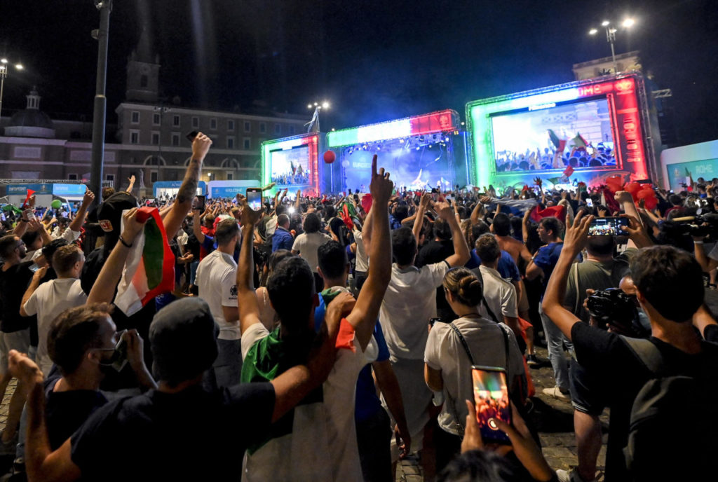 Italy's supporters watch the UEFA EURO 2020 Championship Final Italy vs. England, played at the Wembley stadium in London; in Rome, Italy, 11 July 2021