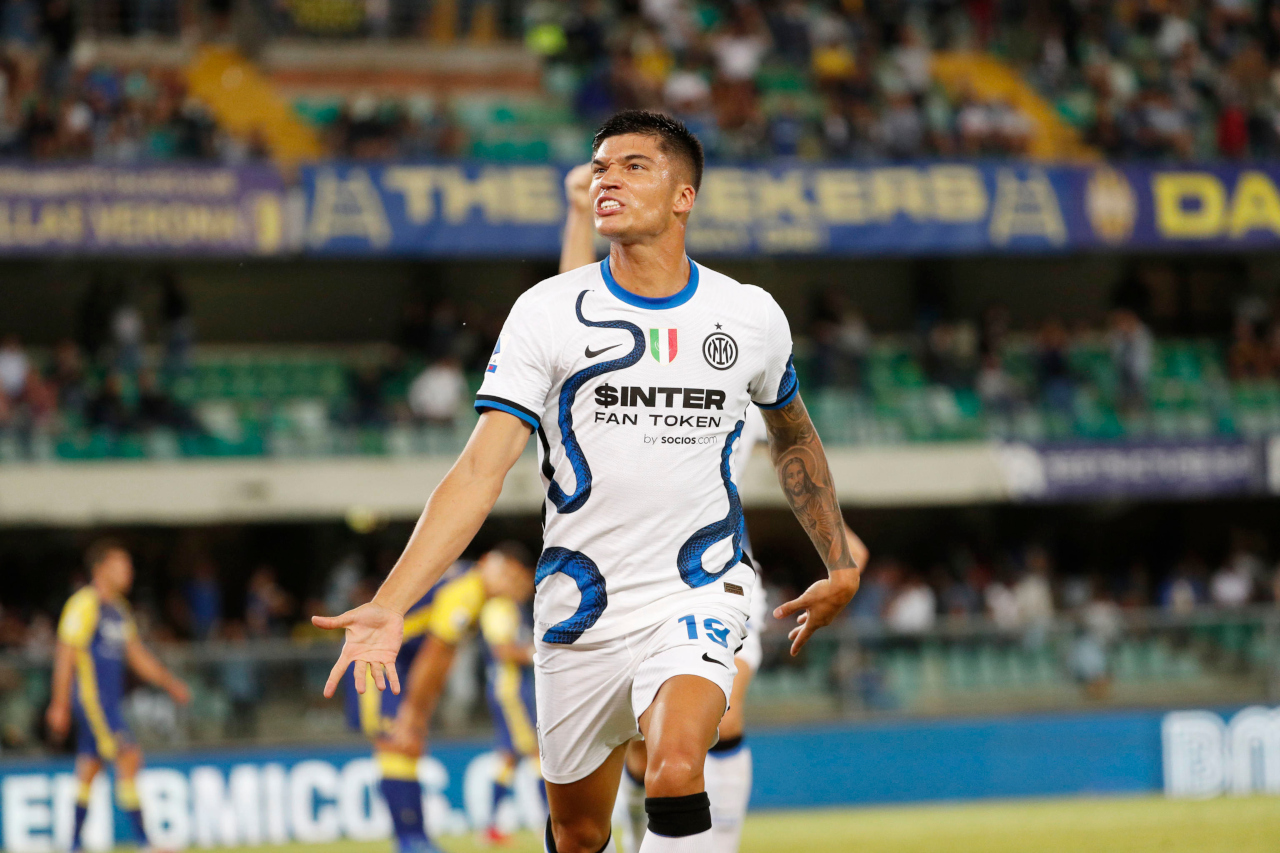 Joaquin Correa Inter Verona celebrate