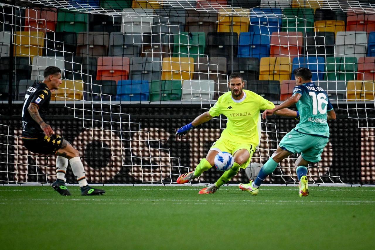 Nahuel Molina goal