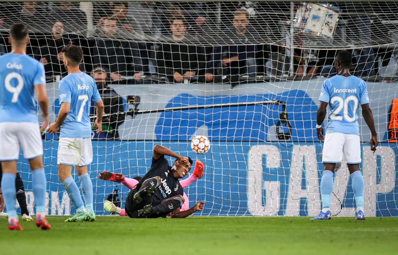 Alex Sandro goal