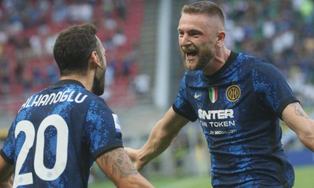 Calhanoglu: 'Los aficionados del Milán quieren hacerse fotos conmigo, si marco en el derbi ...'