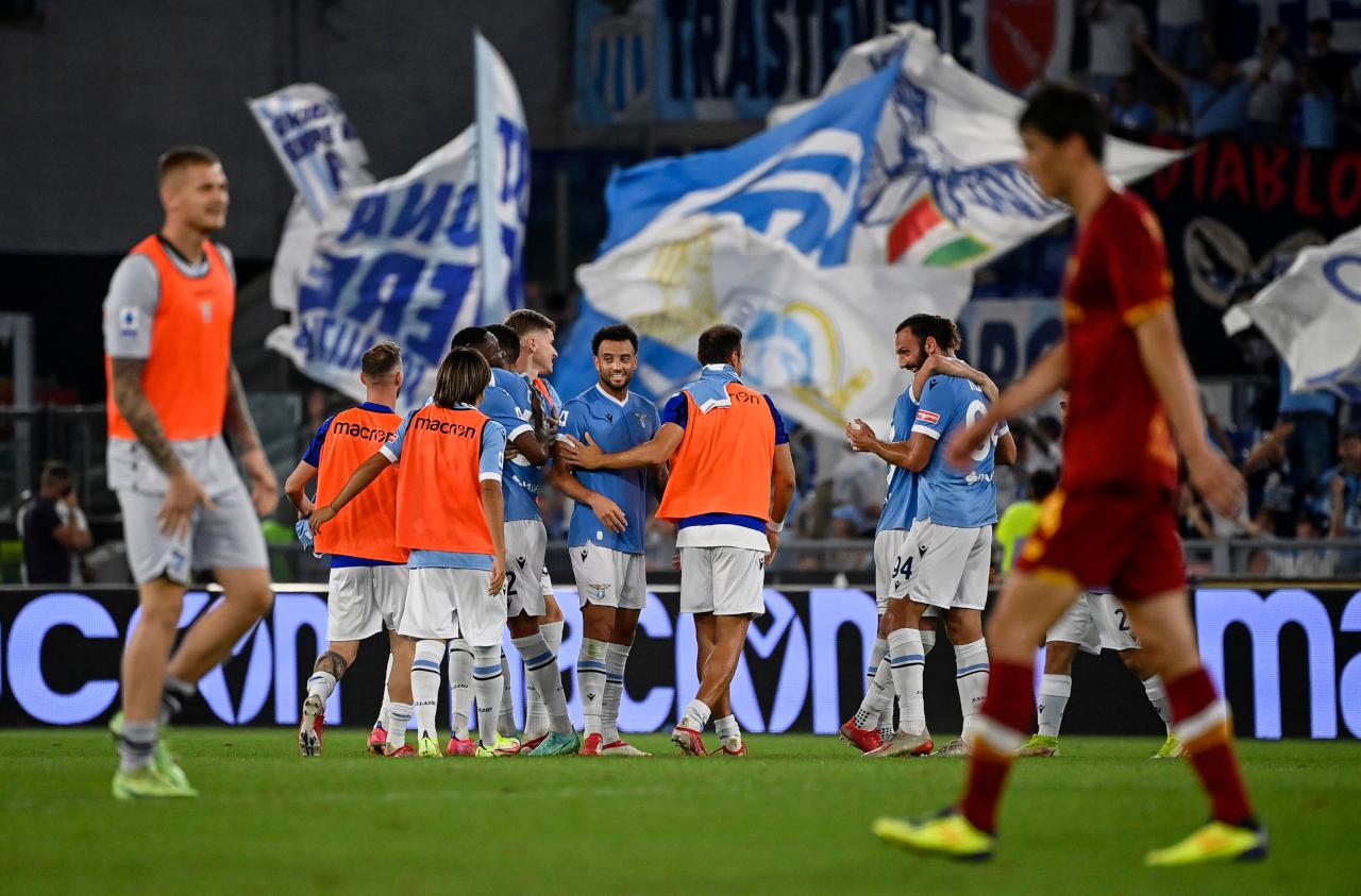 Lazio celebrate fans