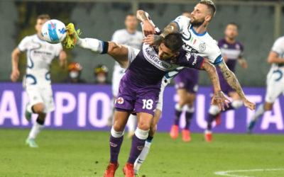 El Inter dejó el guante del título con la Fiorentina