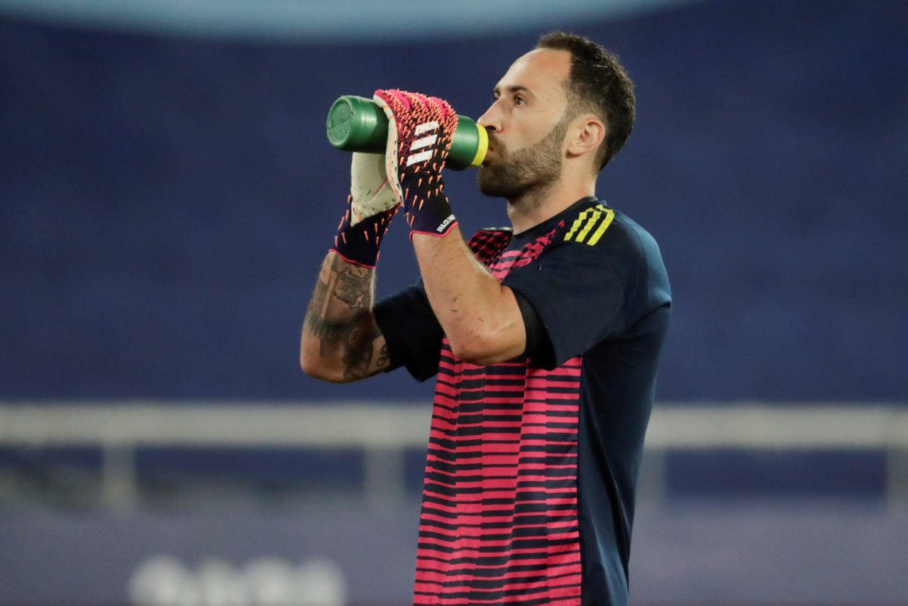 epa09297696 Colombia's goalkeeper David Ospina warms up prior to the Copa America 2021 group B soccer match between Brazil and Colombia at the Nilton Santos Olympic Stadium in Rio de Janeiro, Brazil, 23 June 2021. EPA-EFE/ANTONIO LACERDA