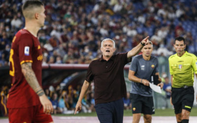 Mourinho appears to aim dig at referee on social media