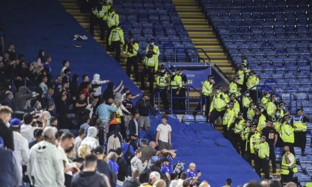 Diez aficionados italianos detenidos en Leicester