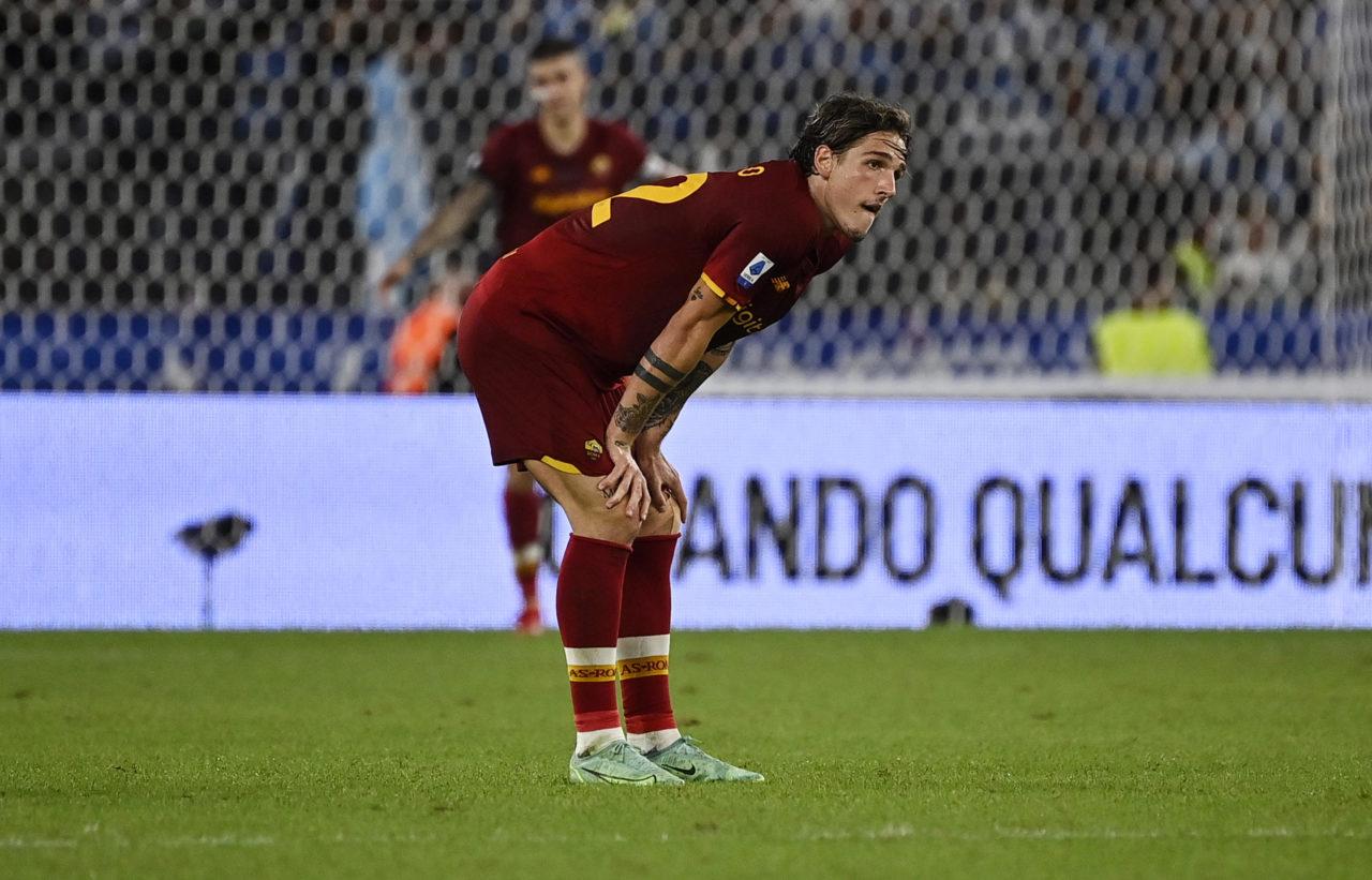 epa09490307 Roma's Nicolo Zaniolo reacts during the Italian Serie A soccer match between SS Lazio and AS Roma at the Olimpico stadium in Rome, Italy, 26 September 2021. EPA-EFE/Riccardo Antimiani