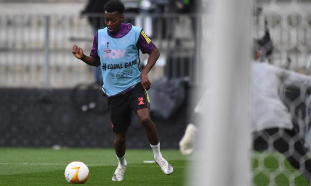 Suecia alega que jugador italiano es racista con Elanga