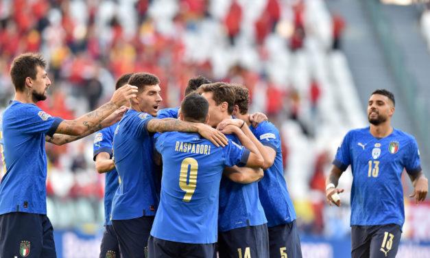 Italia supera a Inglaterra en la clasificación mundial de la FIFA