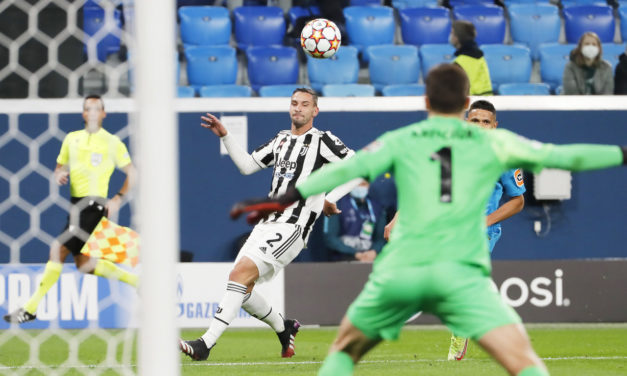 Juventus-Sassuolo: De Sciglio subbed off injured