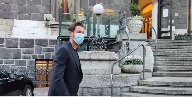 Video: Mirante arrives for Milan medical