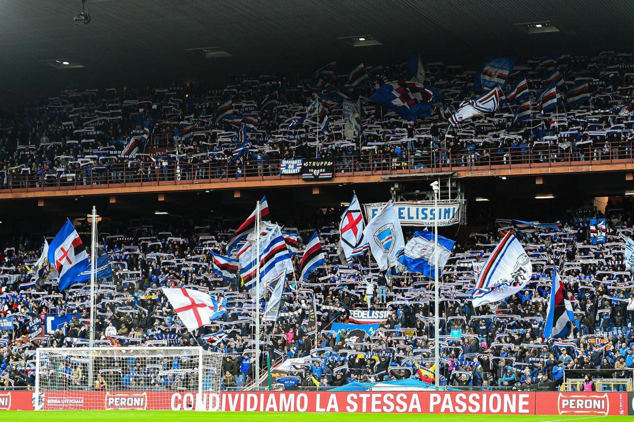epa07986195 Sampdoria's fans before the Italian Serie A soccer match Uc Sampdoria vs Atalanta Bergamasca Calcio at Luigi Ferraris stadium in Genoa, Italy, 10 November 2019. EPA-EFE/SIMONE ARVEDA